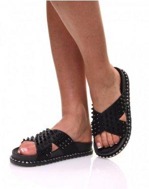 Sandales noires à clous croisés