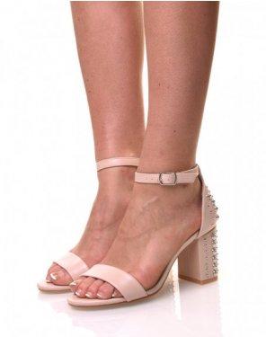 Sandales ouvertes et cloutés à talons roses