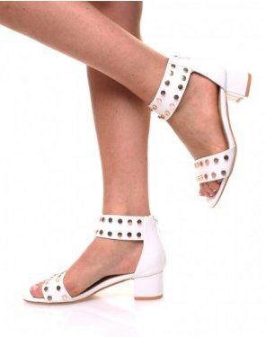 Sandales talon carré clouté blanche