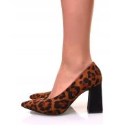 Escarpins à bouts pointus léopards et talons trapèzes
