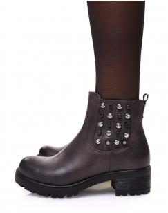 Chelsea boots grises à détails cloutés