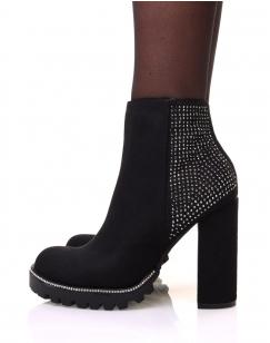 Chelsea boots noires en suédine à détails strass et talons