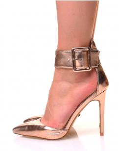 Escarpins roses golds effet métallique à larges brides