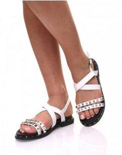 Nu pieds à brides cloutés blanches