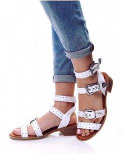 Nu-pieds blancs à boucles ornées