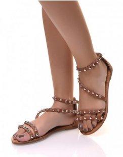 Nu-pieds ornées de clous ronds camel