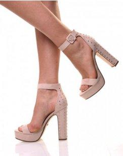 Sandales cloutées à plateformes beiges