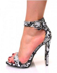 Sandales effet python à talons aiguilles et à larges brides