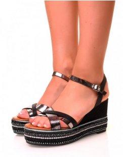 Sandales noires compensées à plateforme fantaisie