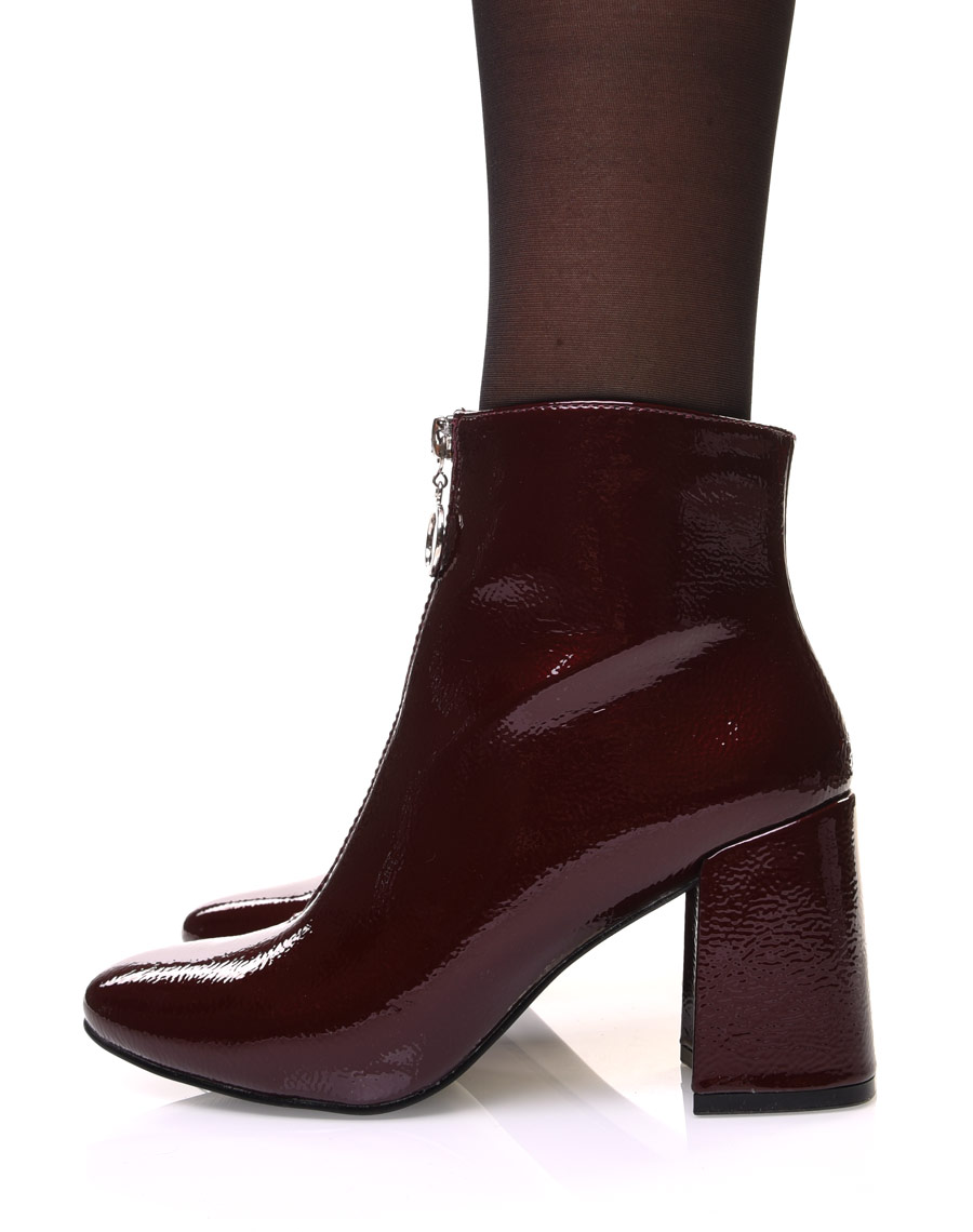 Bottines bordeaux vernies grainées à talon