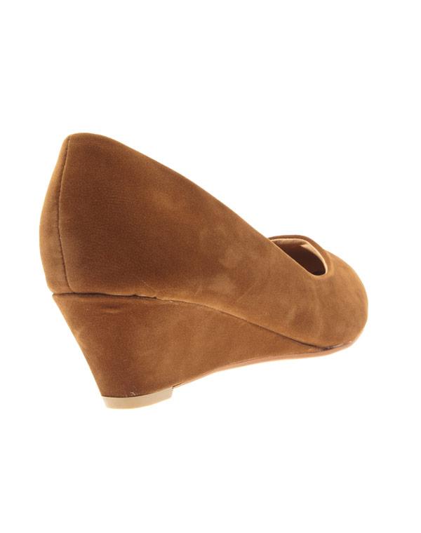 à bas prix cda40 a8818 Chaussures femme Style Shoes: escarpins compensés camel