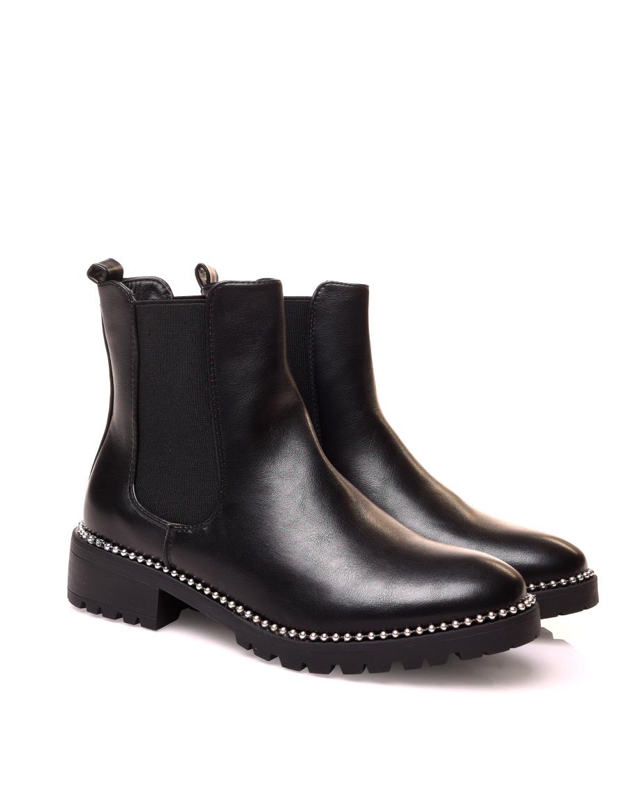 Chelsea boots effet lisse à clous argenté