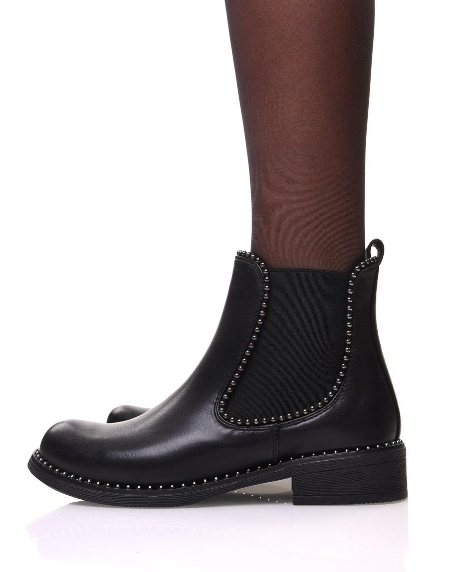 Chelsea boots noires à détails perles