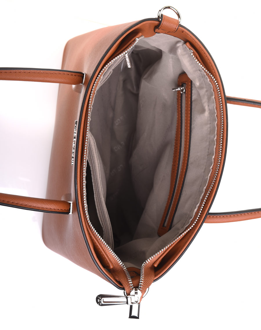 sac main taille moyenne camel. Black Bedroom Furniture Sets. Home Design Ideas