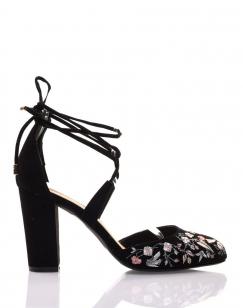 Sandales à talons noires à broderies