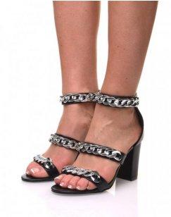 Sandales à talons ornés de chaînes