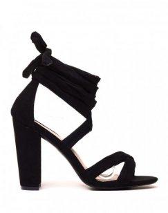 Sandales lacées noires à talons en suédine