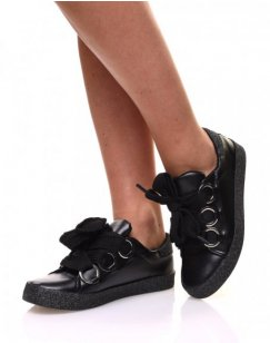 Sneakers noires à gros lacets
