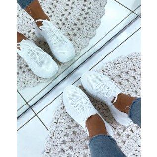 Baskets blanches souples respirantes effet chaussettes