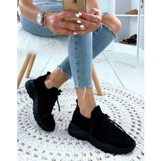 Baskets noires souples respirantes effet chaussettes