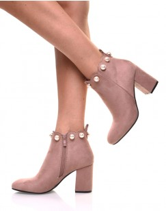 Bottines roses bordées de perles