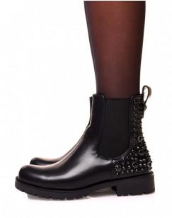 Chelsea boots noires ajouré de clous et de strass noirs