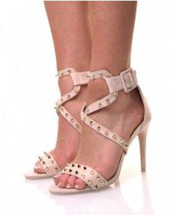 Sandales beiges cloutées