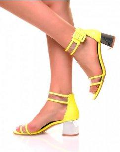 Sandales jaunes fluo à petits talons carrés effet vernis et transparent